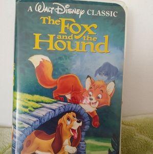 Black Diamond Fox and the Hound
